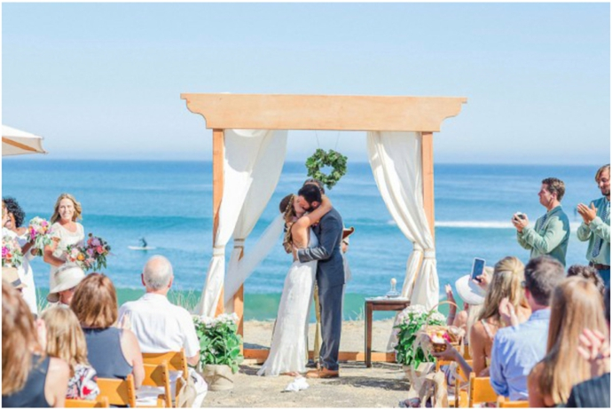 Styling Tips For Embracing A Beach Wedding Theme: What Is Your Wedding Arch Style?