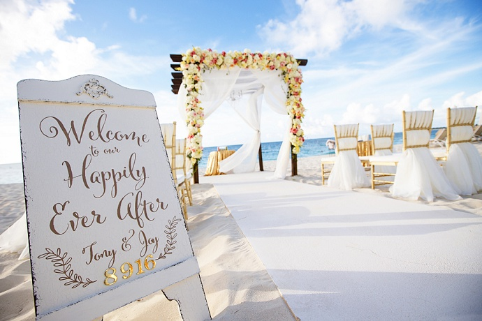 With this ring I thee wed | Destination Wedding Planner TCI